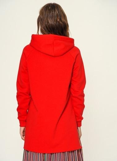 Loves You Loose Fit Yırtmaçlı Sweatshirt Kırmızı